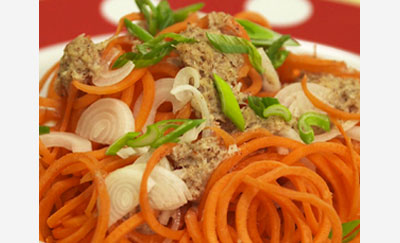 Recette de Nouilles de carottes au saté d'amandes