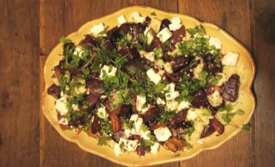 Salade de betteraves, carottes et ail rôtis